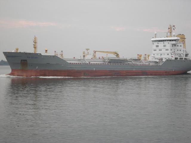 Mehrzweck-Tankschiff   EK-STAR