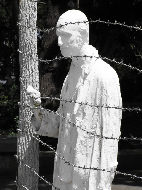 The Holocaust (p7160658)