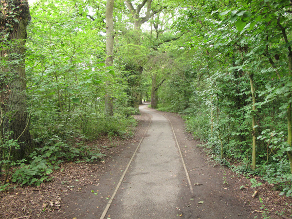 Path into Jubilee Park