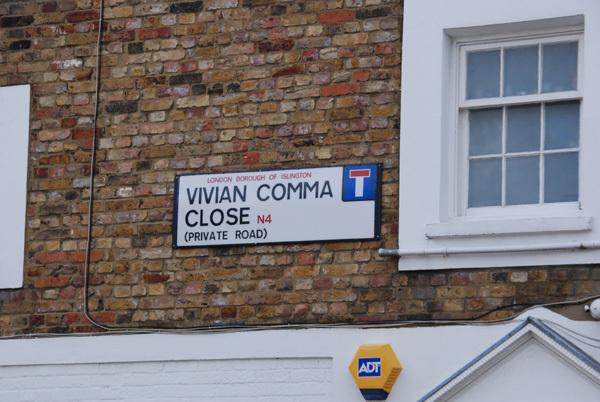 Vivian Comma Close N4