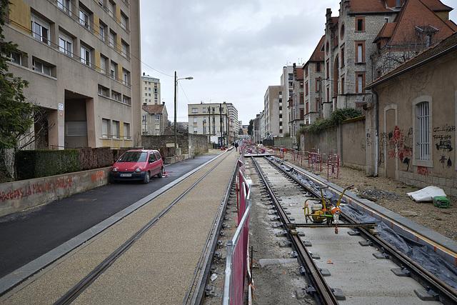 BESANCON: Travaux du tram: 2014.01.26 Avenue Fontaine Argent 06 .
