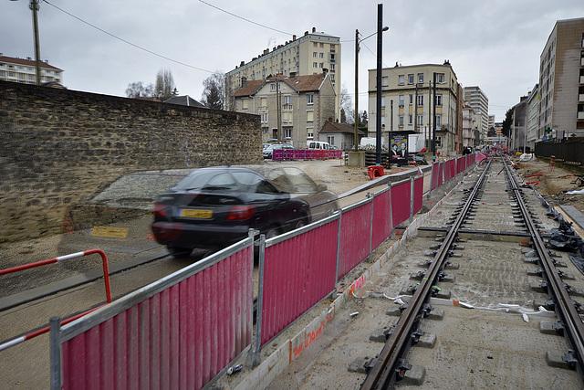 BESANCON: Travaux du tram: 2014.01.26 Avenue Fontaine Argent 08 .