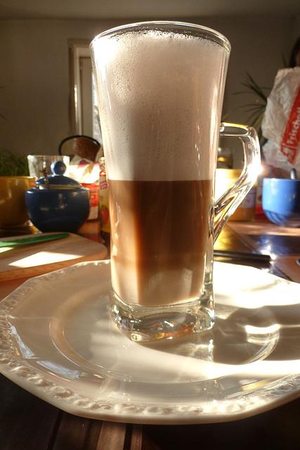 :-) Latte Macchiato am Morgen - matene Latte Macchiato :-)