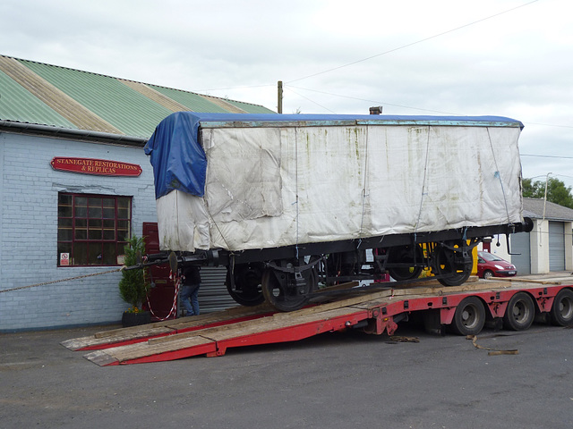 NSR127 - unloading.