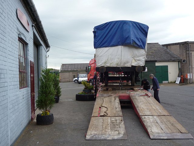 NSR127 - about to unload