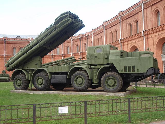 9K58 BM-30 Smertsch (Tornado)