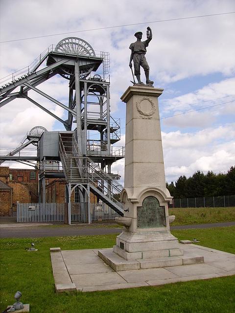 TiG - Woodhorn memorial