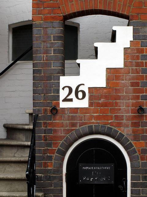 26 Aubrey Walk