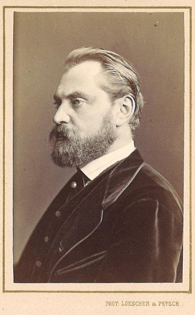 Albert Niemann by Loescher & Petsch