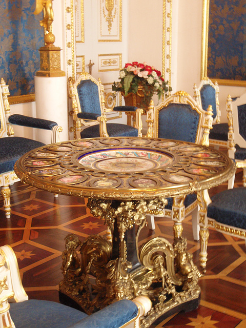 Jussupow Palast -- der Tisch