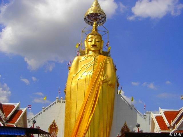 Wat (temple) Intharawihan