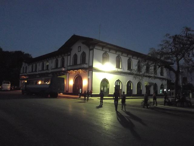 Cuba by the night / Cuban night mood.