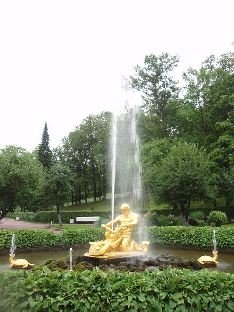 "Peterhof -- Springbrunnen ""Triton"""