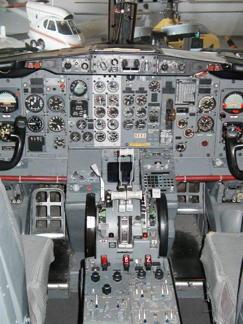 Cockpit (p1010052)