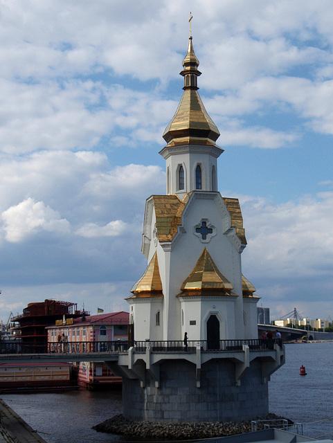 Die Kirche am Wasser