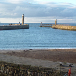 gbw - Whitby evening piers