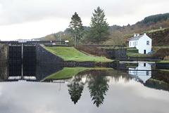 1001 - Crinan dock