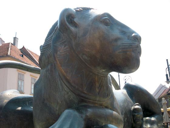 La majesta leono de Kőszeg