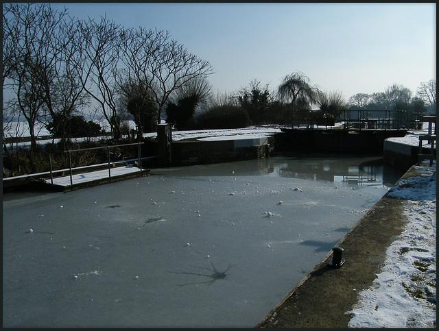 ice at Godstow Lock