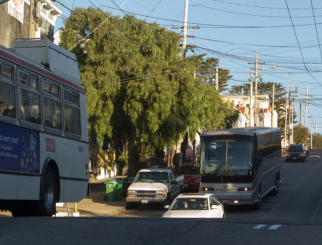 "SF ""tech bus"" (1106)"