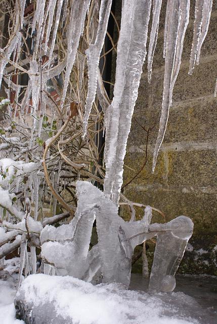 gbww - front door icicle 2