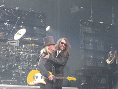 "Robin Zander of Cheap Trick is welcomed by Paul O'Neill.. Robin kicked if off with ""I Want You To Want Me"" 2010 Dec 11 / TSO Winter Tour"
