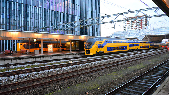 Two trains at Leiden Central station