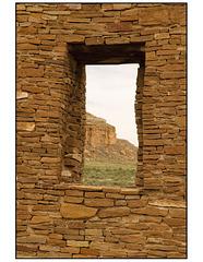 Pueblo del Arroyo window