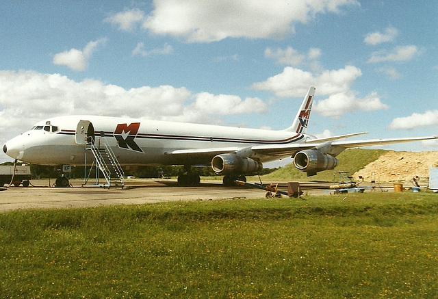 Short DC-8
