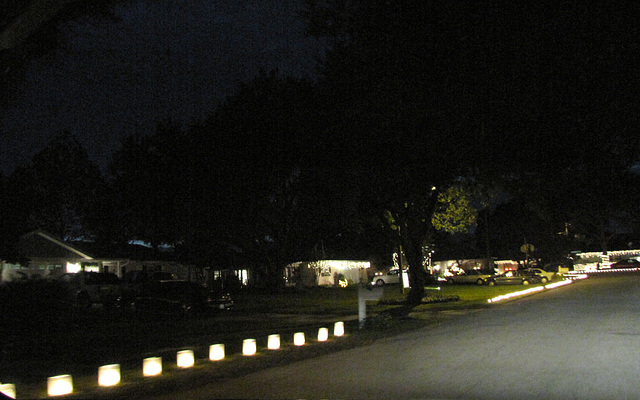 Luminaries line the streets ..