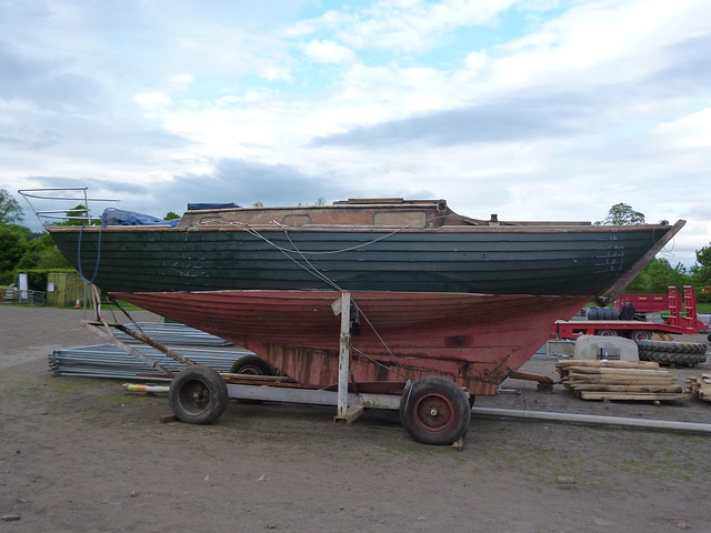 1001 - small keel yacht