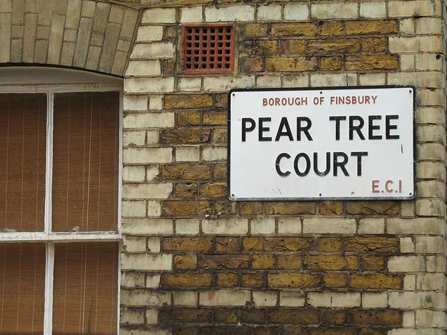 Pear Tree Court EC1