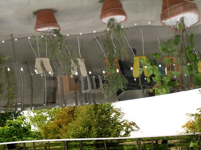 Serpentine Pavilion 1 (Pot plants)
