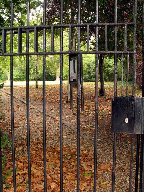 Ladbroke Square Gardens Gate