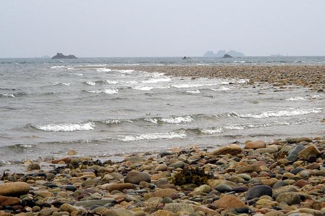 Le sillon de Talbert (Côtes d'Armor) à la marée montante