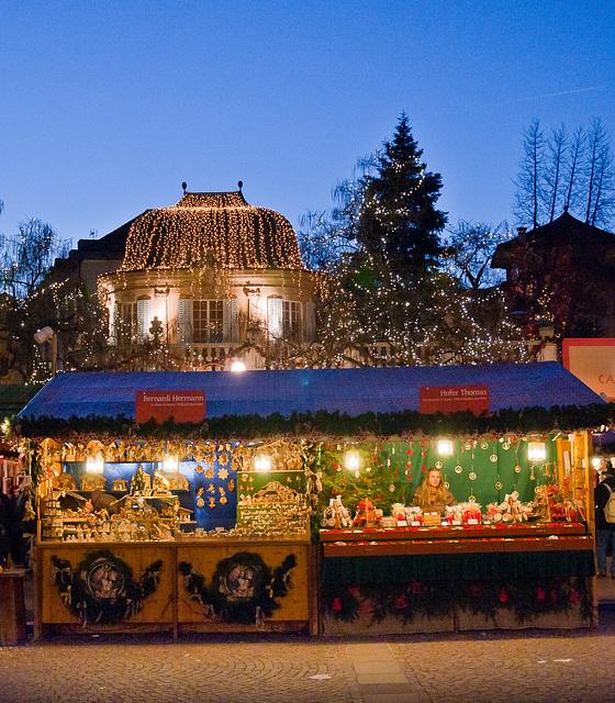 Abends auf dem Weihnachtsmarkt von Bozen - 2009-12-10-_DSC8246