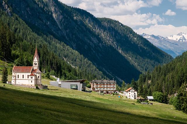 Trafoi: Kirche, Nationalparkhaus, Bellavista - 2010-06-29-_DSC0530