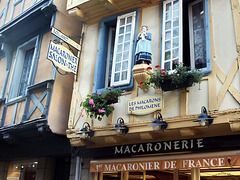 P9122903ac Quimper Old Timberlined House of Macaron Maker