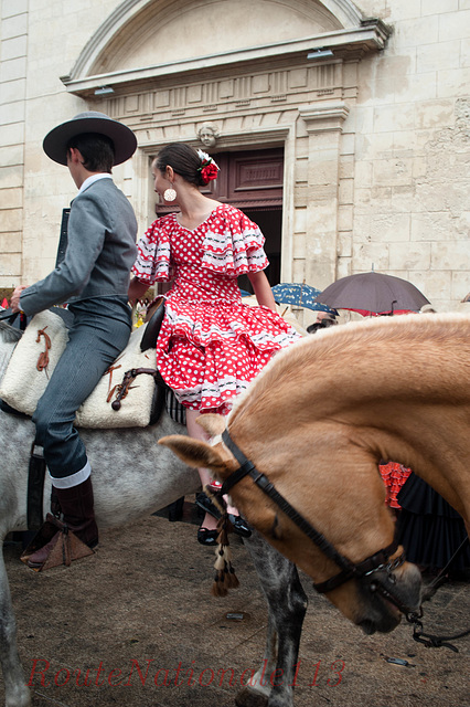 Cavaliers et amazones à la messe de Mauguio
