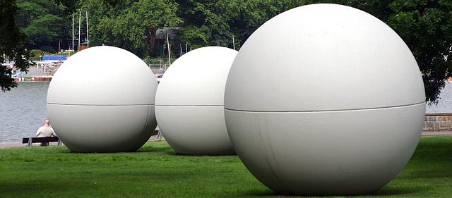 Ludilo de gigantoj (de Claes Oldenburg)