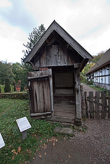 20121008 1451RWw Osnabrücker Hof, Abort