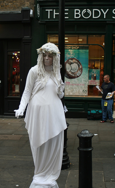 Covent Gardens Mime