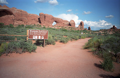 02-trail@arches_ig