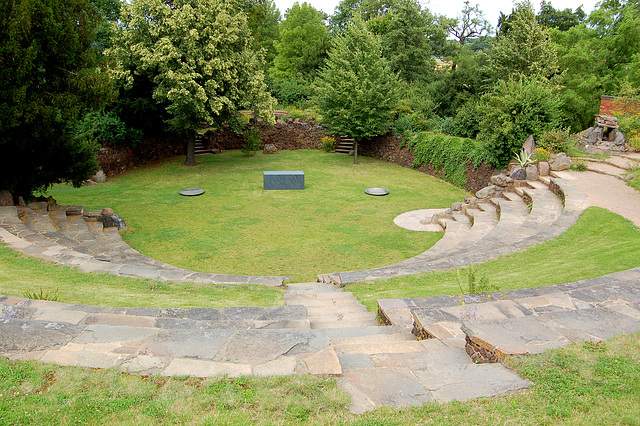 "amfiteatro en ""La Ŝtono"" (Amphitheater im ""Stein"")"