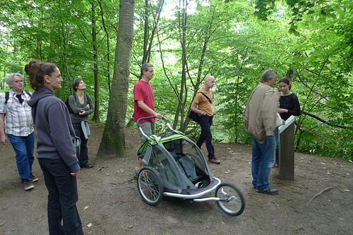 Wandergruppe im Franfurter Stadtwald