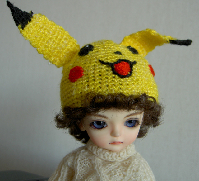 Sampo in Picachu hat