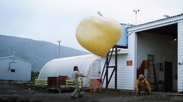 Macquarie Island 1968: Balloon launch on a windy day