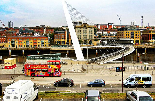 Gateshead: Millennium Bridge.