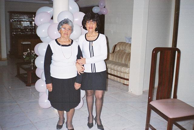 Rita Mother Pair Of Vases