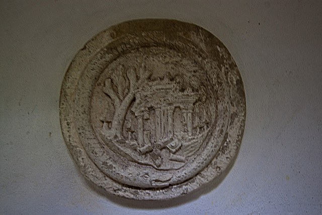 20121008 1440RWw Mausoleum